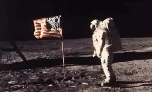 Tributo a Neil Armstrong.